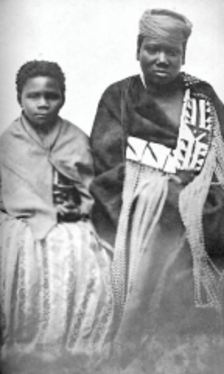 The Photo of Nonkosi(left) and Nonqause(right), the niece of a prohet who allegedly misled her people to commit national suicide by killing 25,000 cows and convinced them to burn their crops around 1857