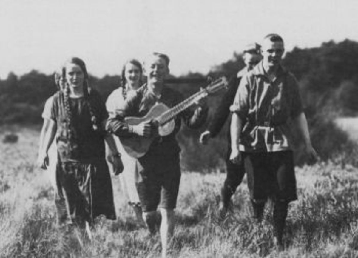 Members of the Wandervogel