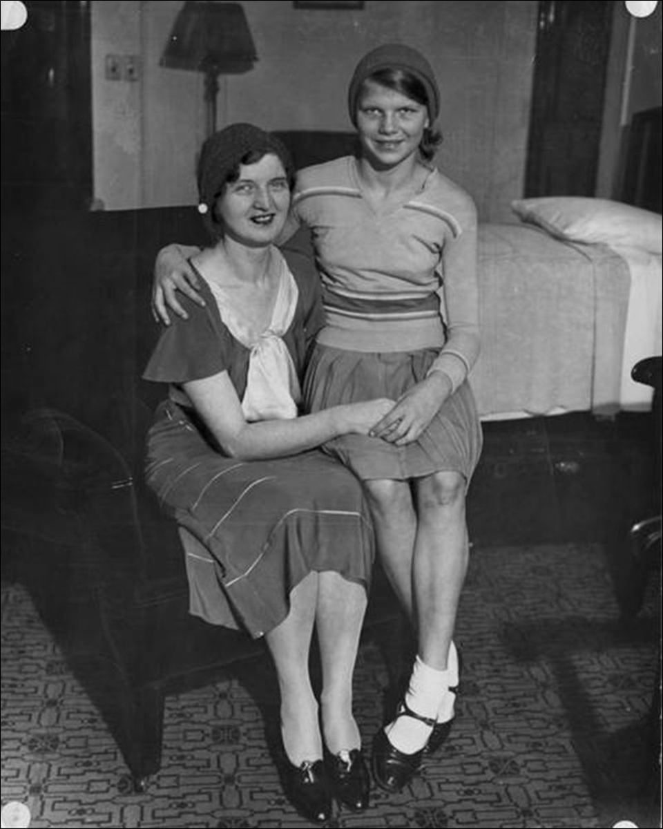 Nan Britton (left) and her daughter, Elizabeth Ann Harding