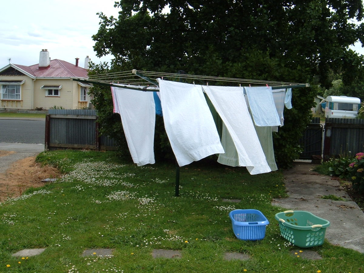 A fixed clothesline is one that permenantly stays up in your yard.