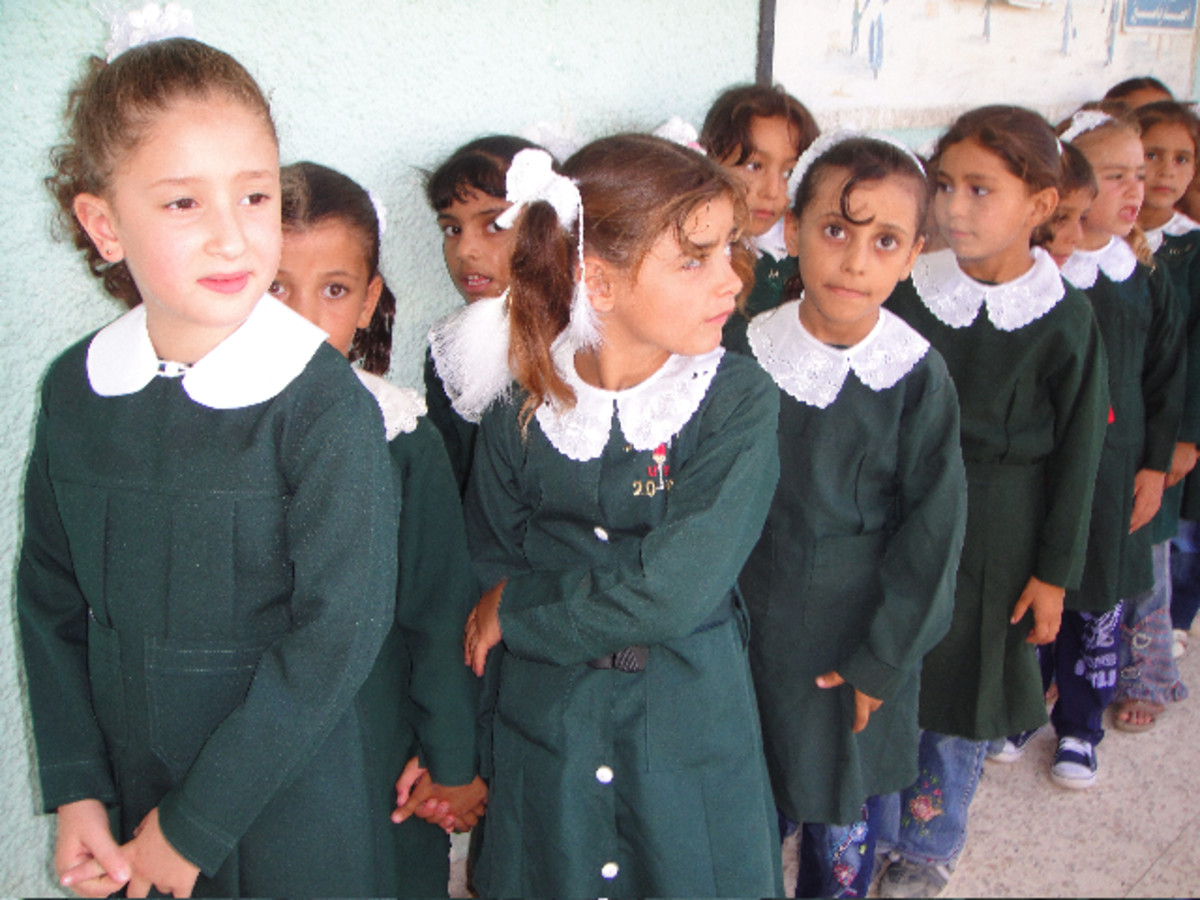 Girls lining up for class via Wikimedia Commons