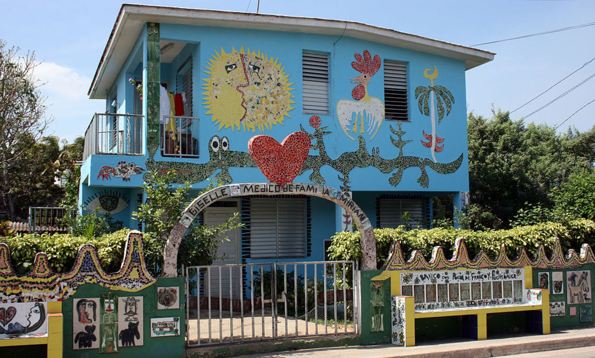 A colorful doctor's surgery in Cuba. Doctors receive a lot of thanks for their work!