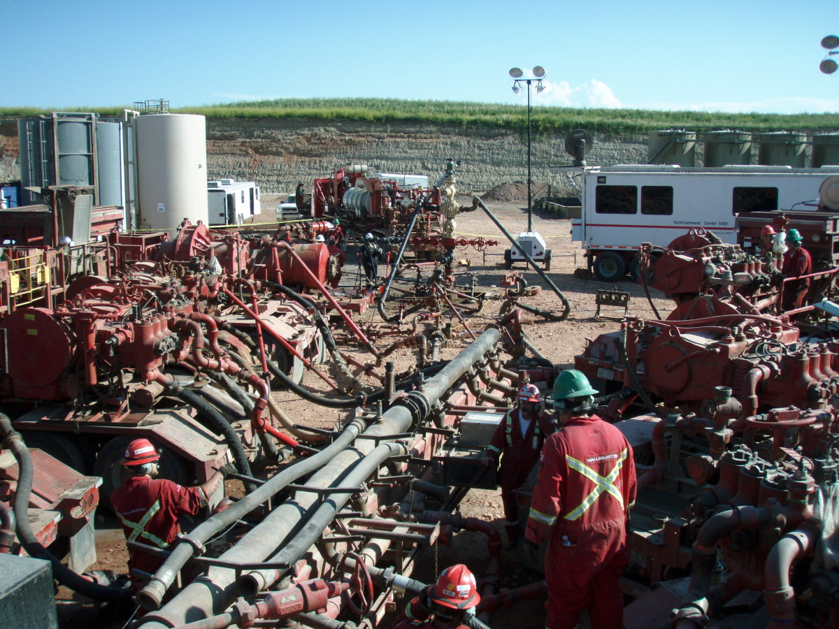 A fracturing operation in progress at the Bakken Formation in North Dakota.  American proponents of fracking argue that it gives the US a very real prospect of energy self-sufficiency in the near future, and that concerns and fears are overstated.