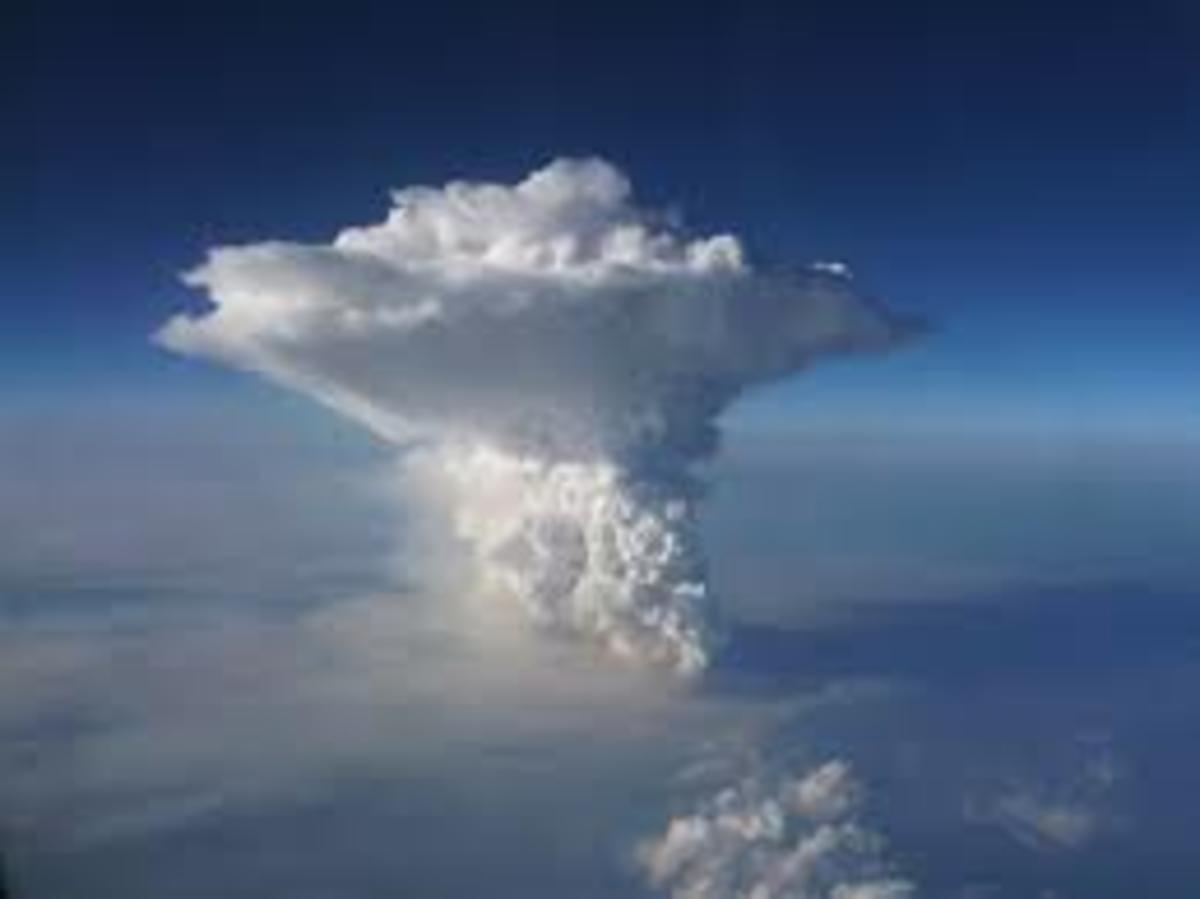 Cumulonimbus (towering cumulus) cloud