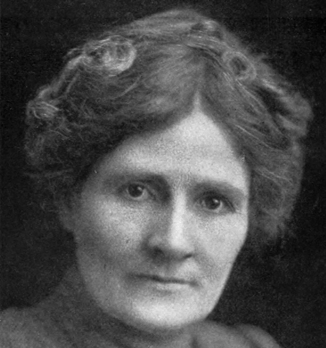 Linda Hazzard:  born 1867 died 1938
