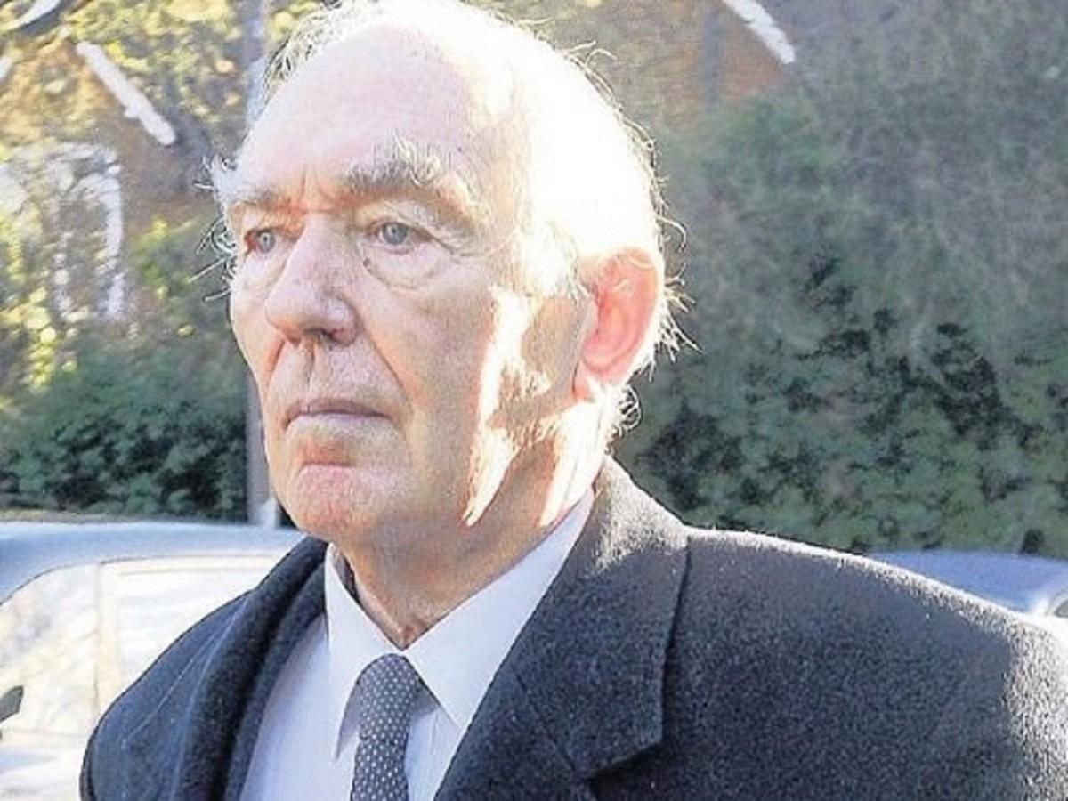Dr. Michael Salmon