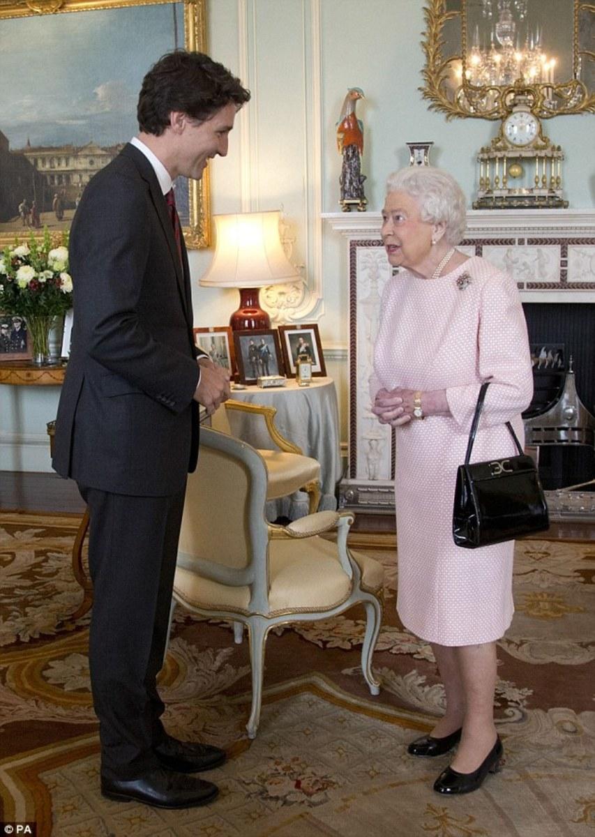 PM Justin Trudeau visits Queen Elizabeth II at at Buckingham Palace (Nov 25, 2015).
