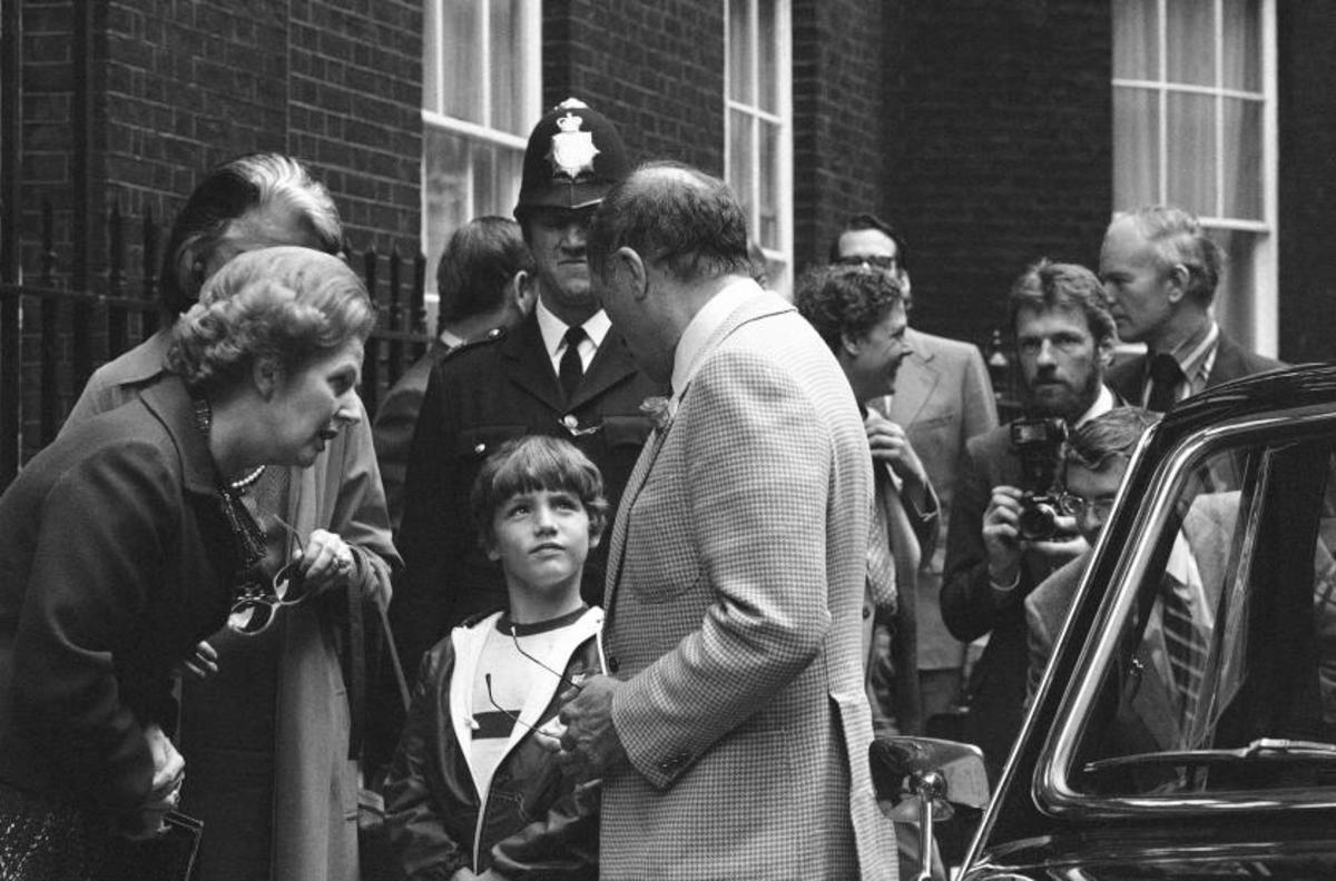 Margaret Thatcher, Pierre Trudeau and Justin outside No. 10 Downing Street in London (1980).