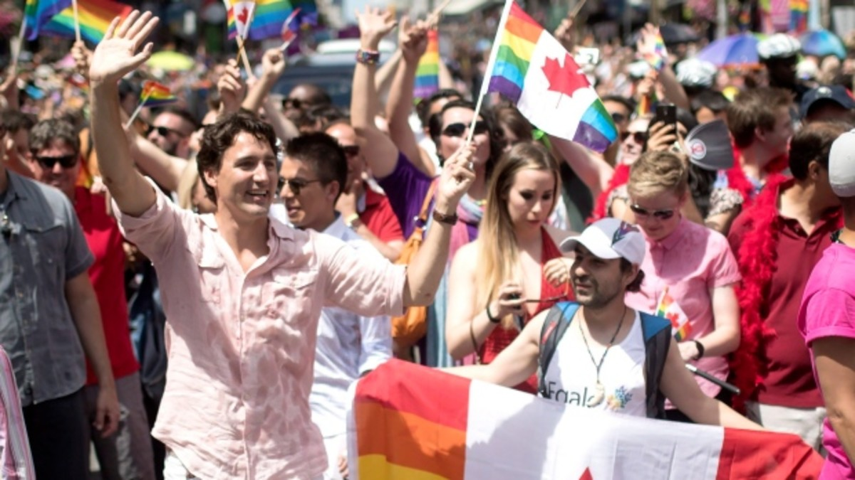Canadian Prime Minister Justin Trudeau marched in the 35th annual Pride Parade in Toronto, Jul 3, 2016