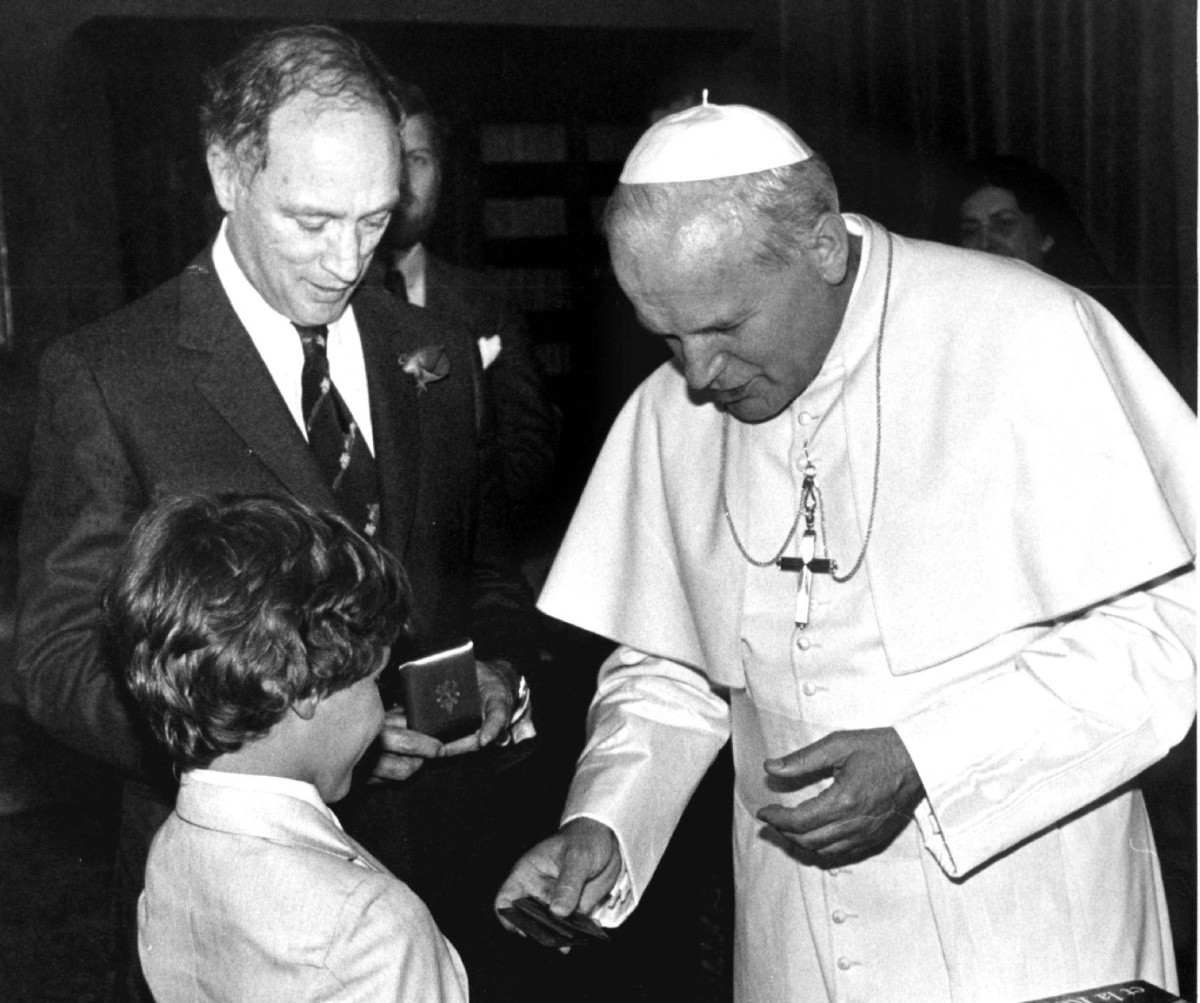 Justin was eight years old when he met Pope John Paul II with his father during a visit to Rome in Jun 1980.