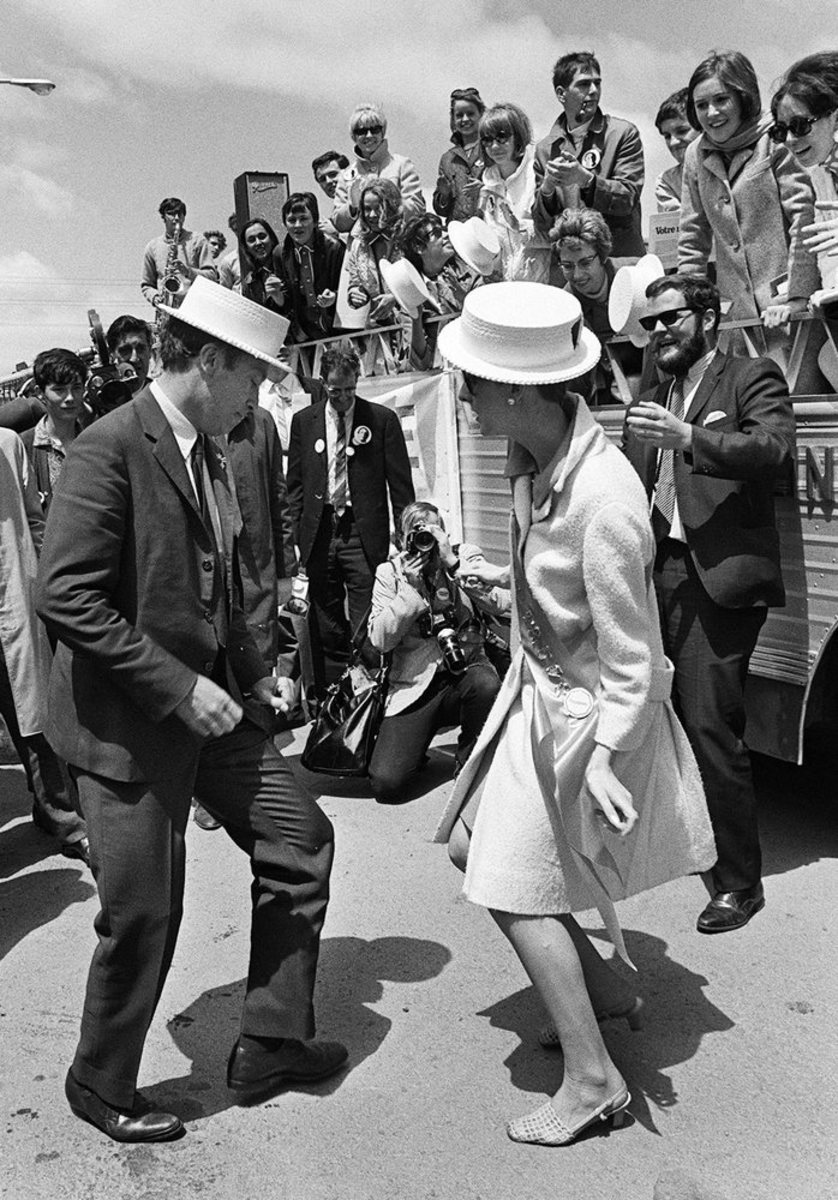 Pierre does a dance after his campaign bus broke down in Montreal (Jun 6, 1968).