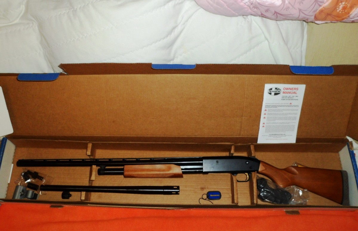 Mossberg 500 combo. Comes with slug barrel and pistol grip.