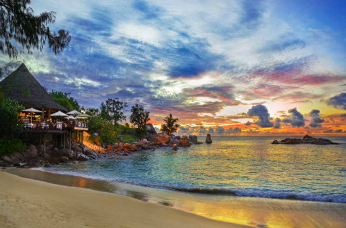 The beautiful blue waters of the Seychelles offer bank secrecy laws in abundance for wandering one-percenters in Republican and Democratic parties alike.