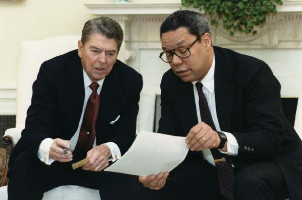 Colin Powell With President Ronald Reagan