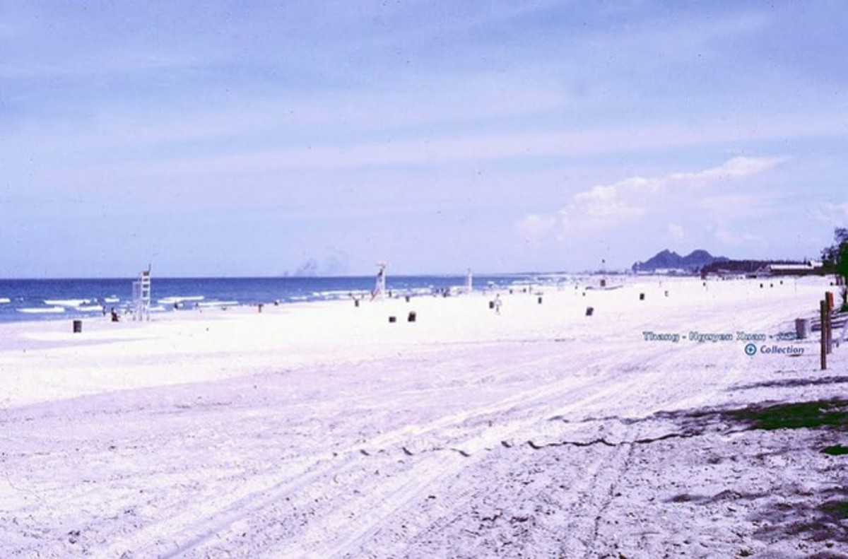 Danang's beach in the past