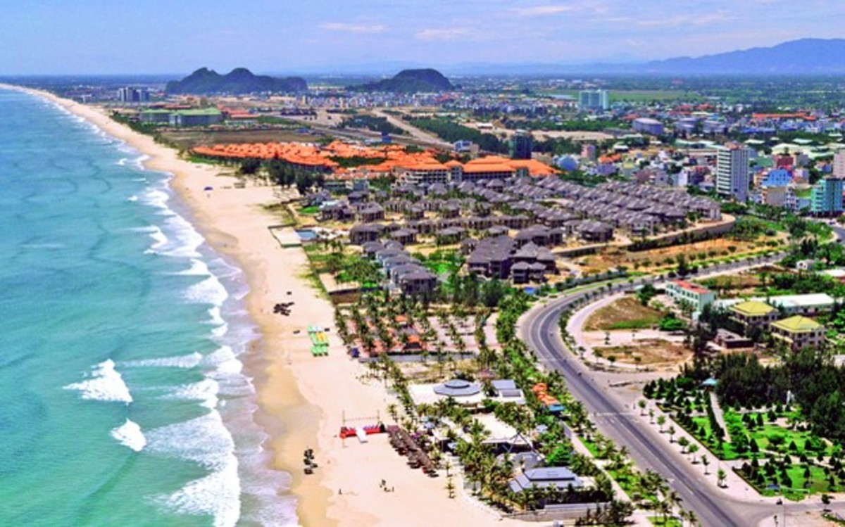 Danang's beach now crowded with high-end resorts, villas and apartments