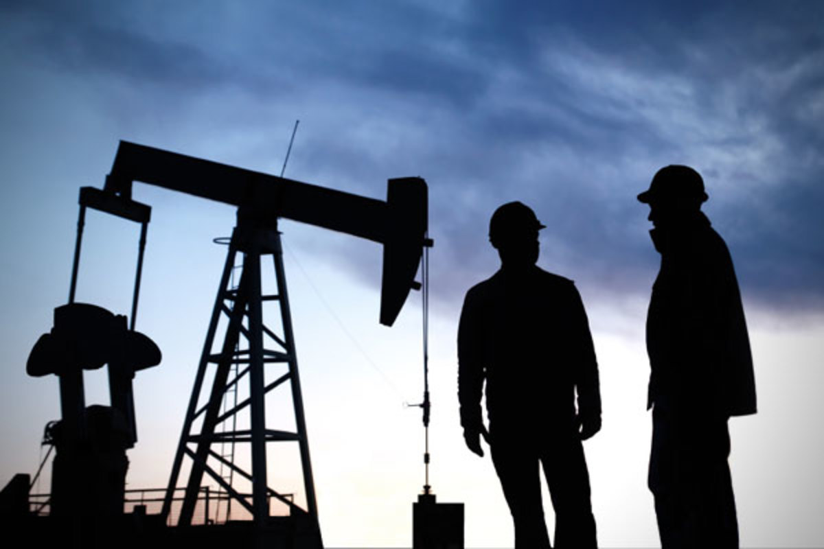 Petroleum Engineering, the most lucrative major with a median mid-career salary of about $100,000 is dominated by men, with about 70% of students being male.