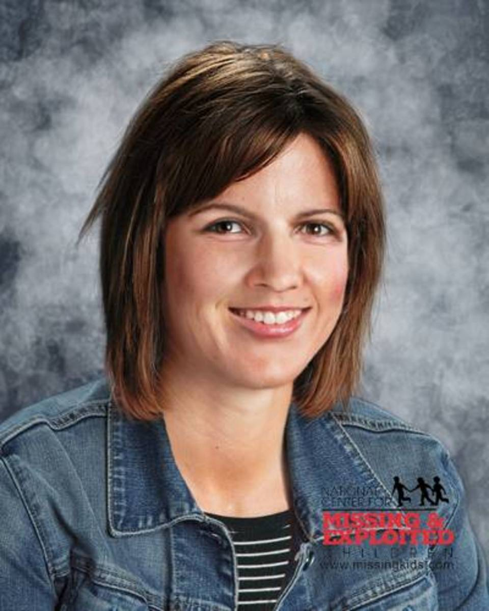 Age progressed photo of Launa Merritt to age 44 years