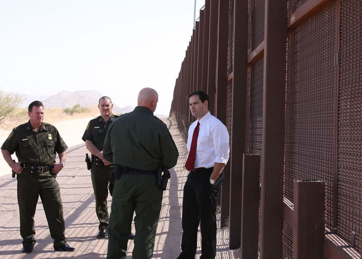 Senator Marco Rubio with Customs and Border Patrol Agents at the Mexican Border.