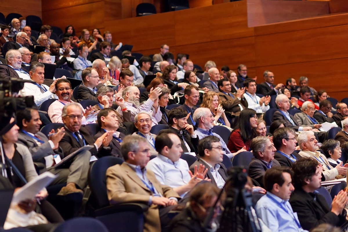 IPCC authors in a large session