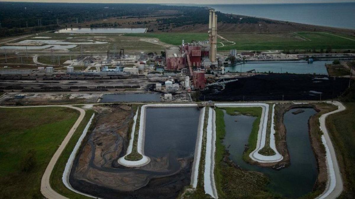 A coal-fired power plant in Illinois and its ash pits (foreground)