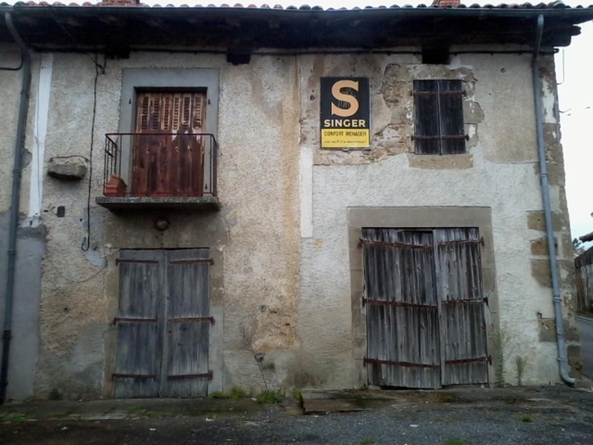 A house in Pressignac, Charente.