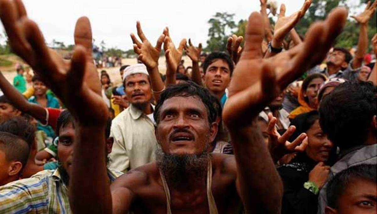 Rohingya Refugees desperate to receive aid