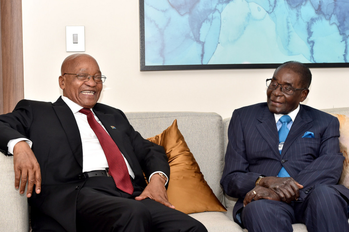 President Jacob Zuma holding bilateral talks with Zimbabwe President Robert Mugabe