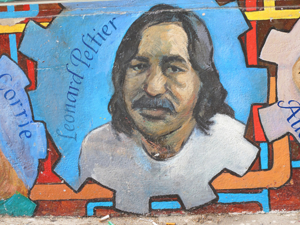 A mural in support of Leonard Peltier.