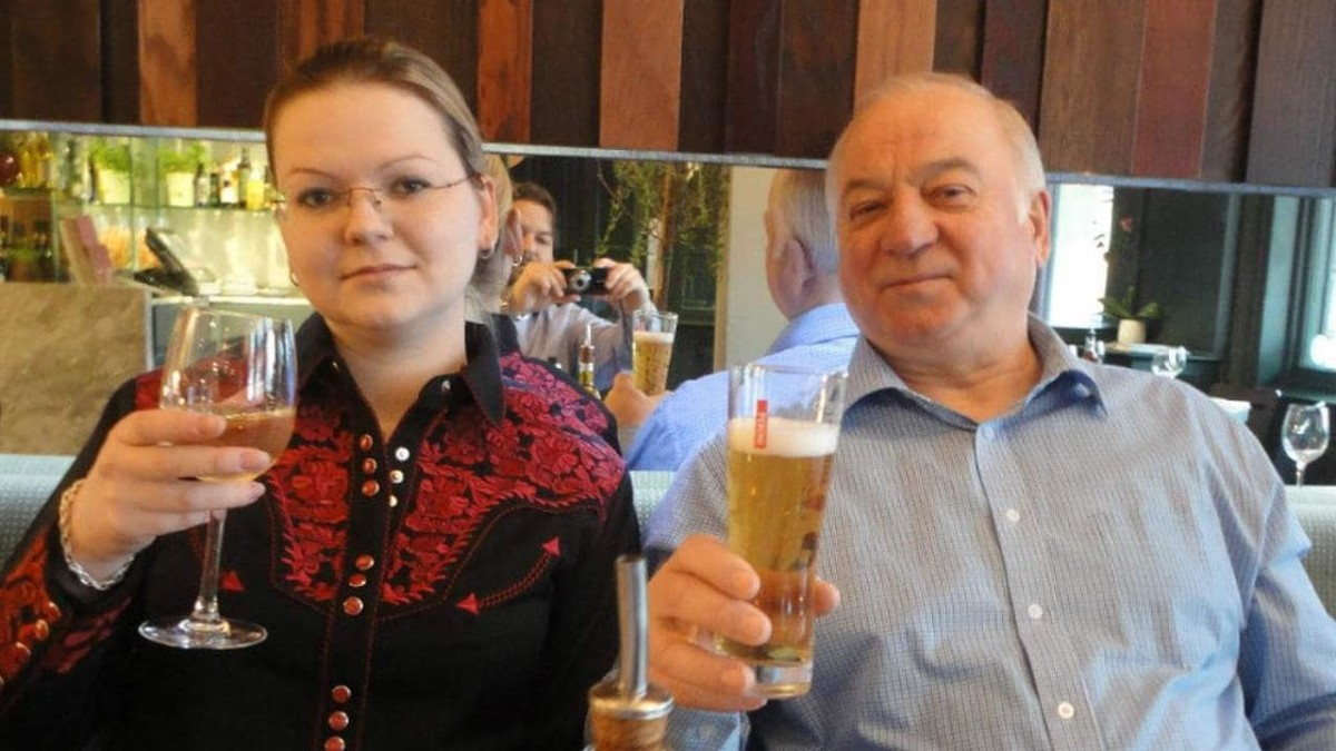 Yulia Skirpal (left) and Sergei Skirpal (right) - the victims of the Salisbury nerve agent attack