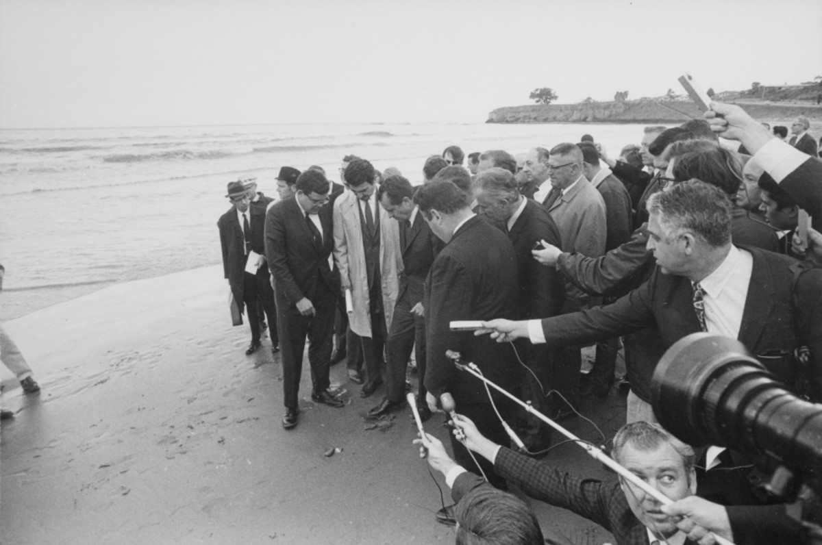 Nixon examining the Santa Barbara oil spill, two months after it occurred.