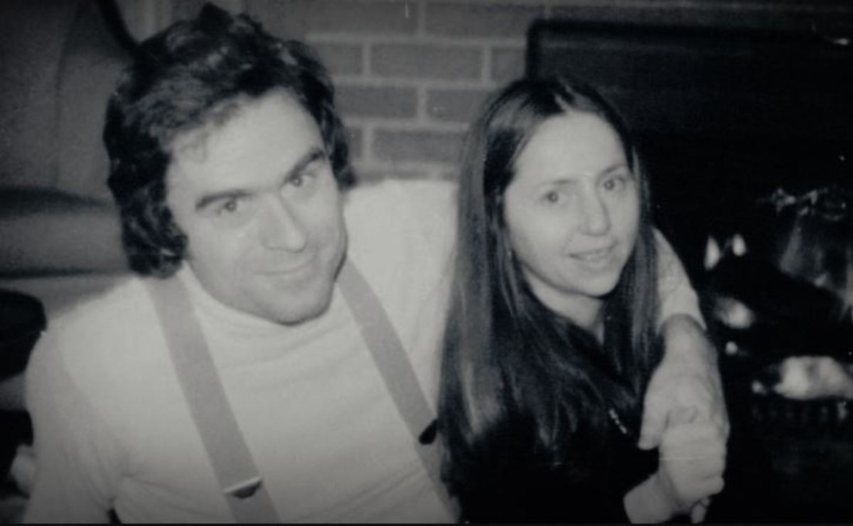 Ted Bundy with his girlfriend Elizabeth Kloepfer in 1974.