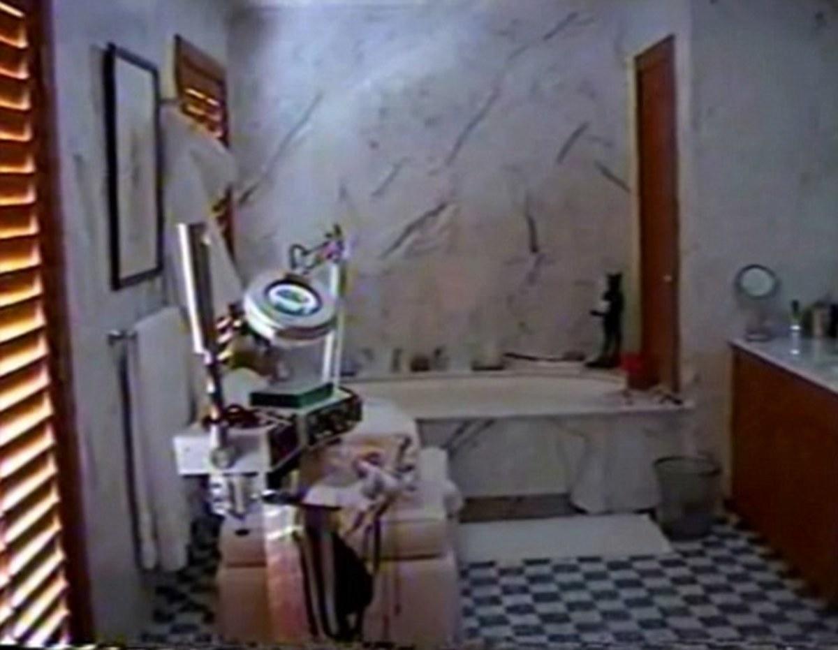 Dentist's cart found in Epstein mansion