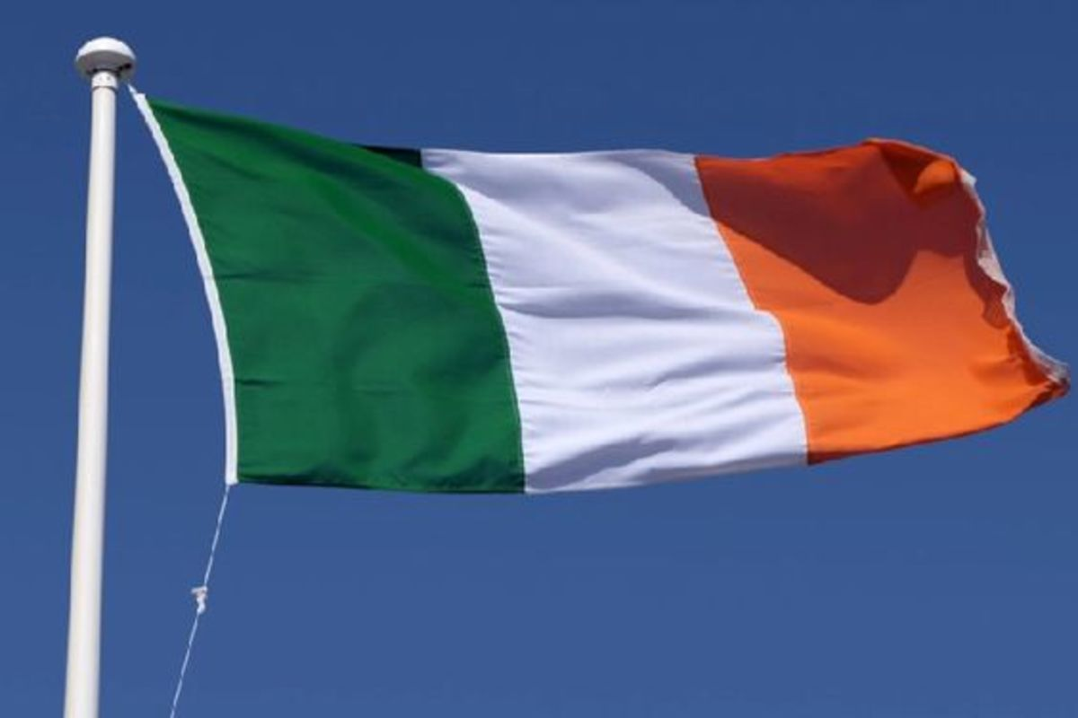 The Irish national flag is a tricolor made up of green, white and gold sections