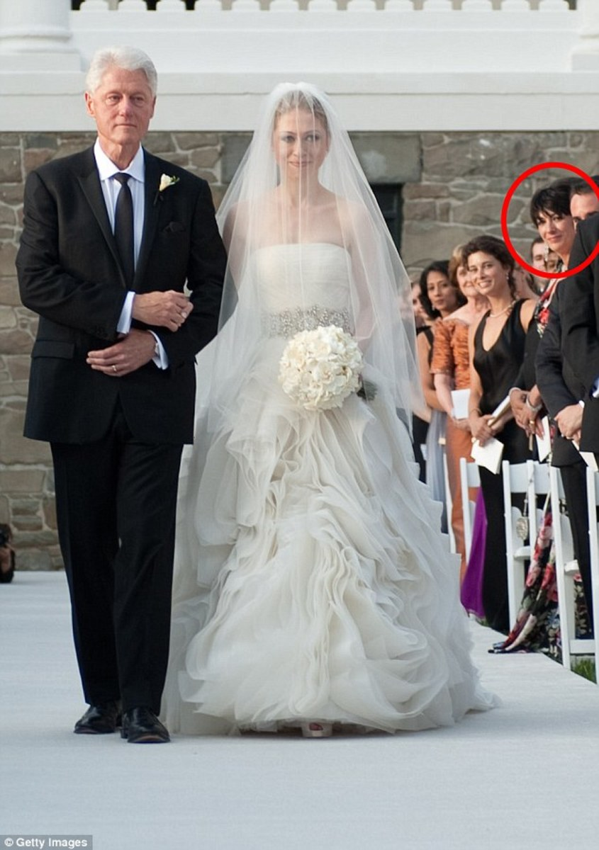 Ghislaine Maxwell at Chelsea Clinton wedding, circled in red.