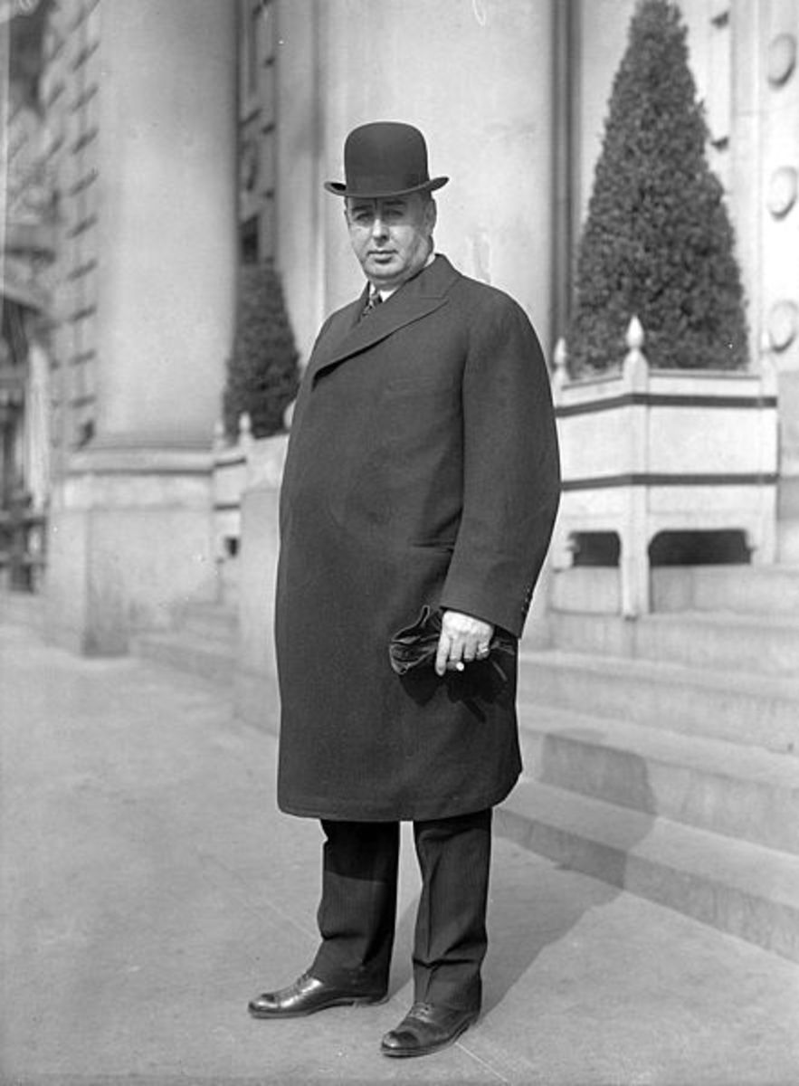 "William Hale Thompson (above) was Chicago's mayor from 1915 to 1931 with a break of four years in the middle. ""Big Bill,"" as he was known, was in a tight alliance with Al Capone and has been described as one of America's most corrupt mayors."