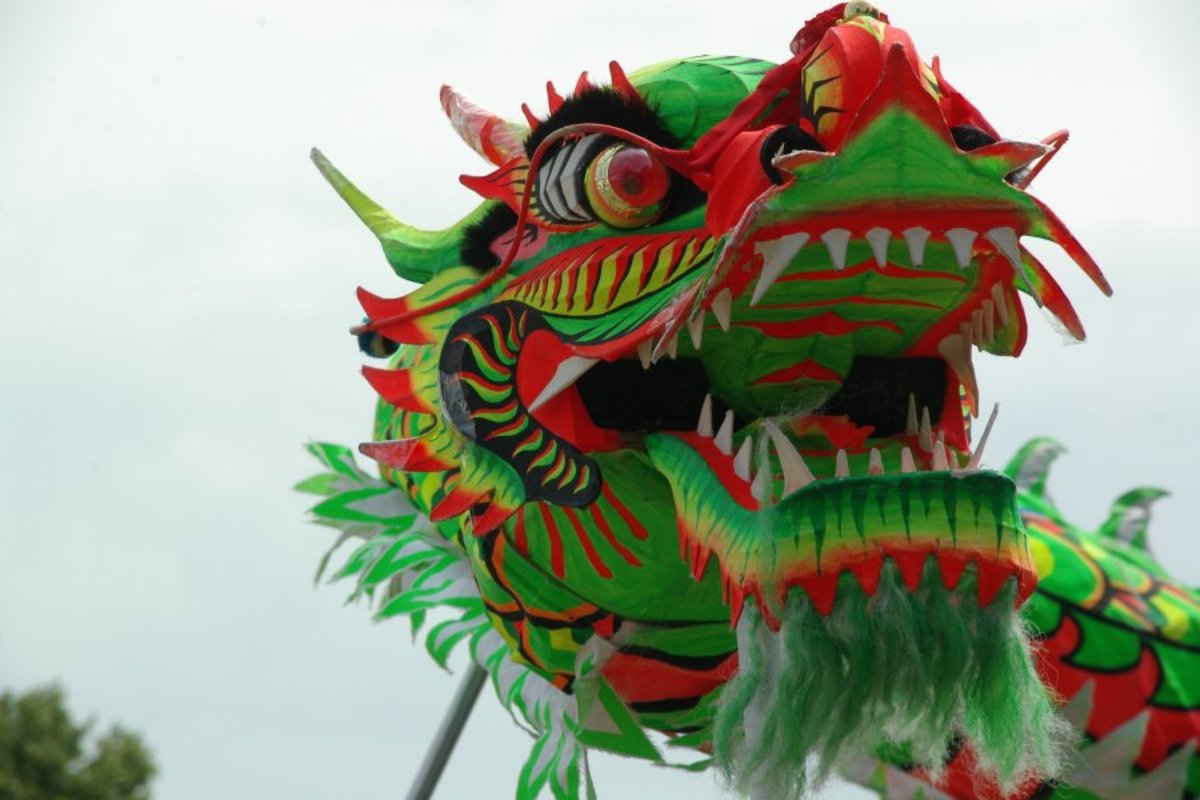 Photograph of a Chinese Dragon (ca. 2000); photograph by Caseman courtesy of Wikimedia Commons. Work is in the public domain.