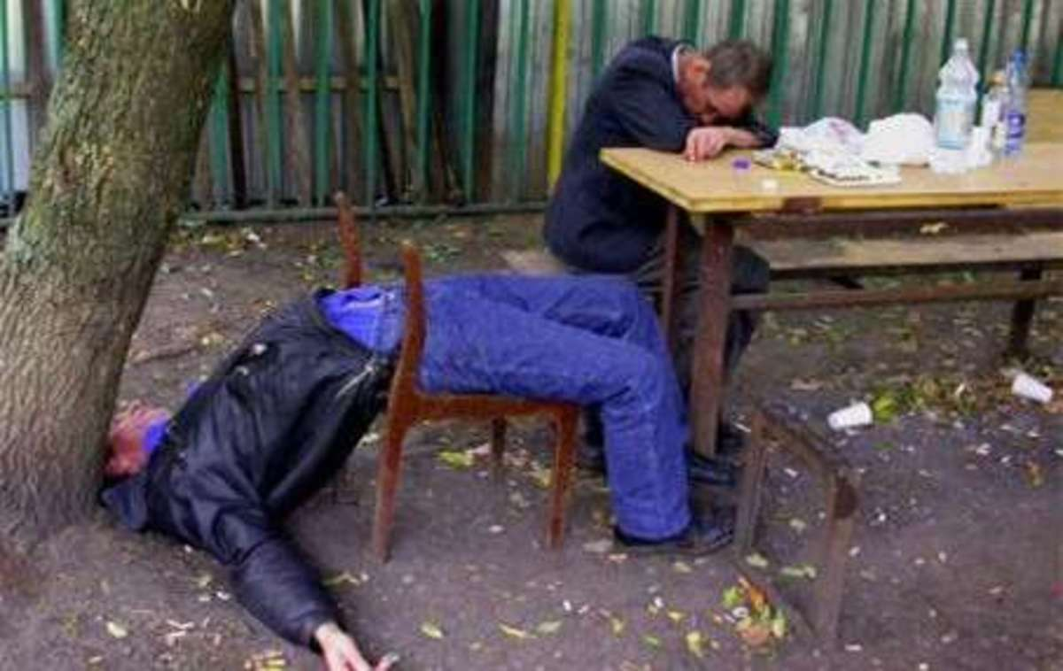 """""""Vodka causes a shortage of men in Russia"""" by Shannon Buckley - Mercatonet"""