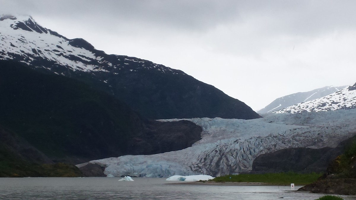 mendenhall-glacier-southeast-alaskas-great-wonder