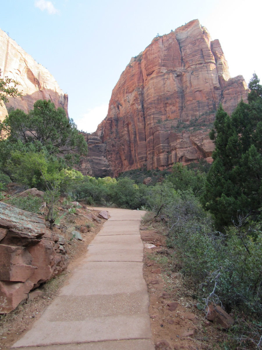 The start of the West Rim Trail with Angels Landing in background