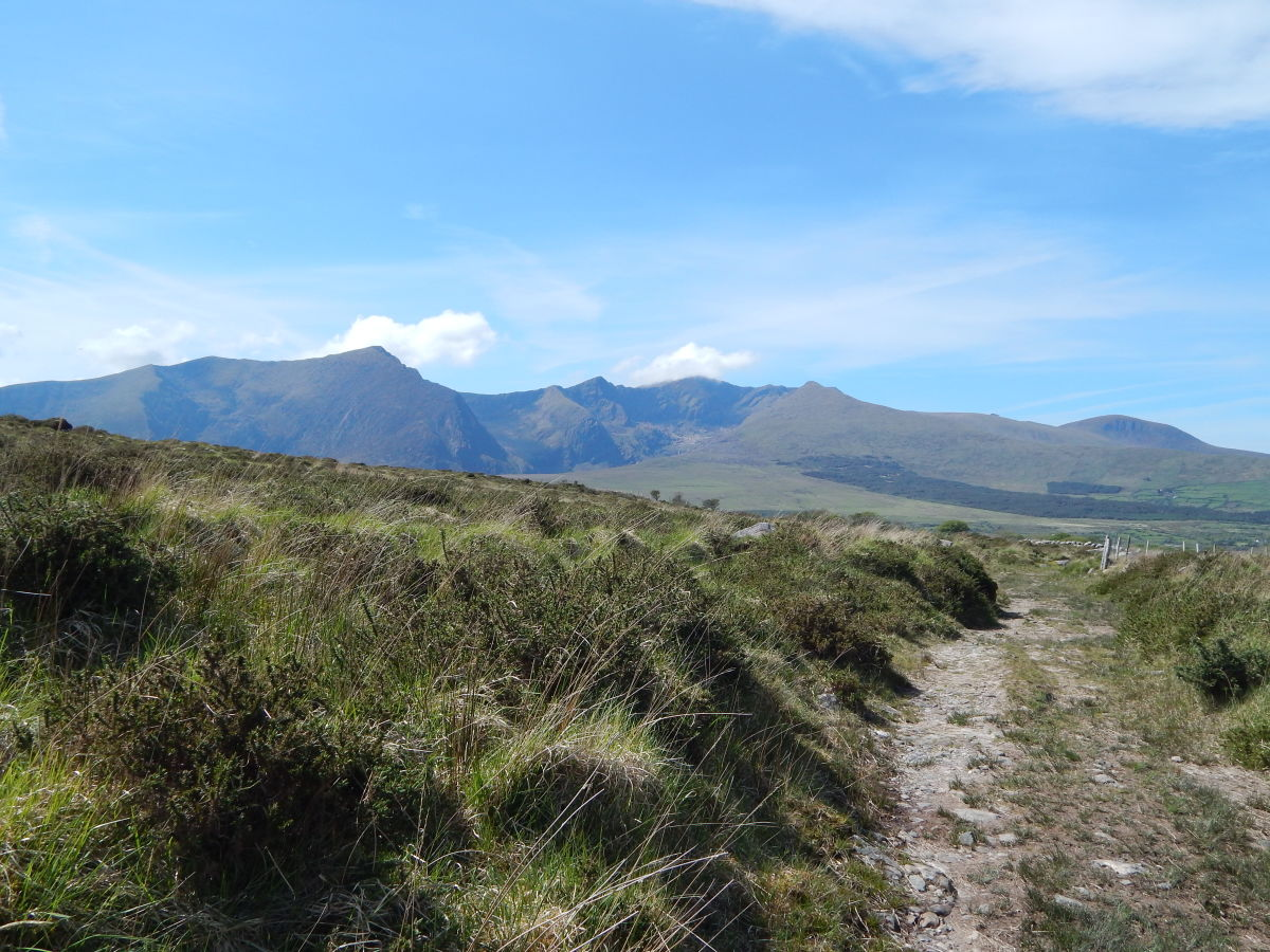 The beautiful Loch a'Dúin Valley at Ballyhoneen