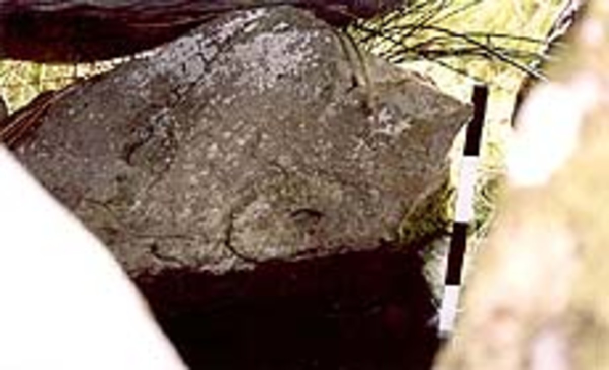 Rock art on the interior of Ballyhoneen Wedge Tomb