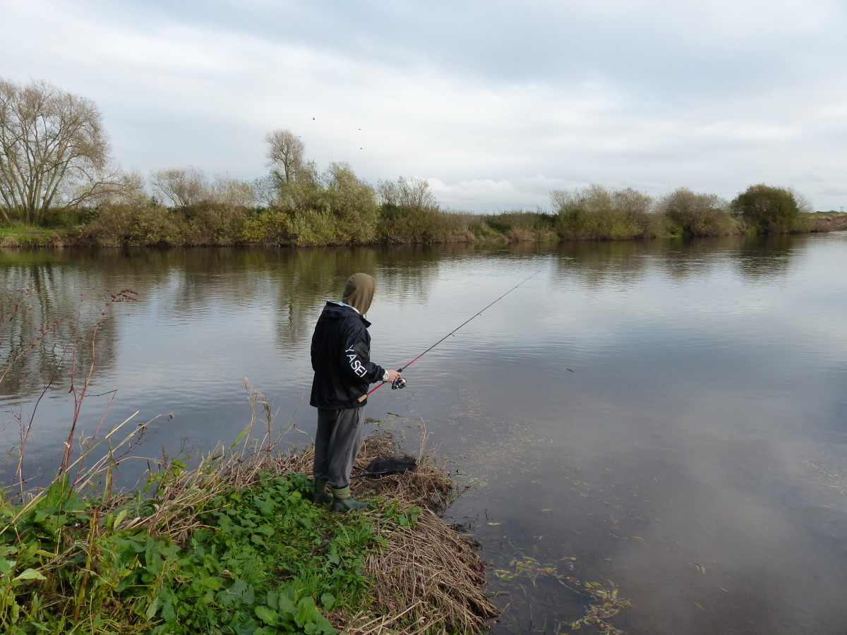 Fishing some slack water against a gravel bar in a back bay on the River Trent