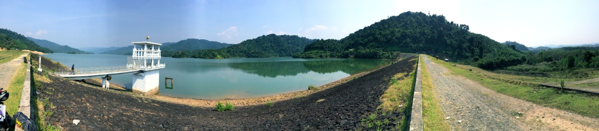 A panorama view of the whole lake