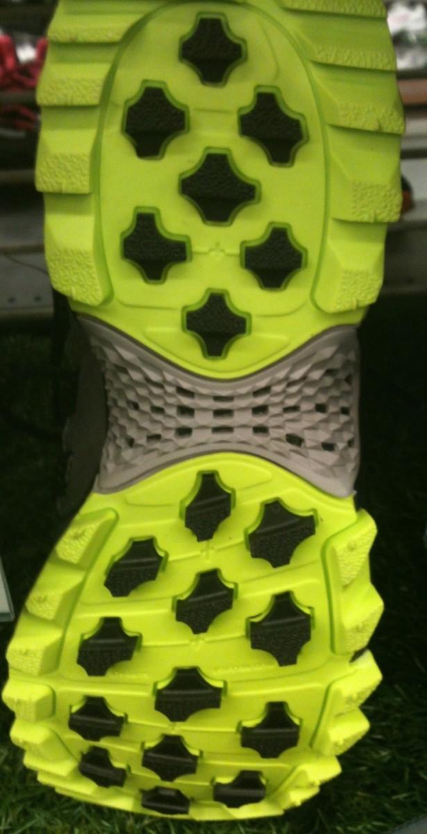 The tread pattern of the Adidas Kanadia TR5