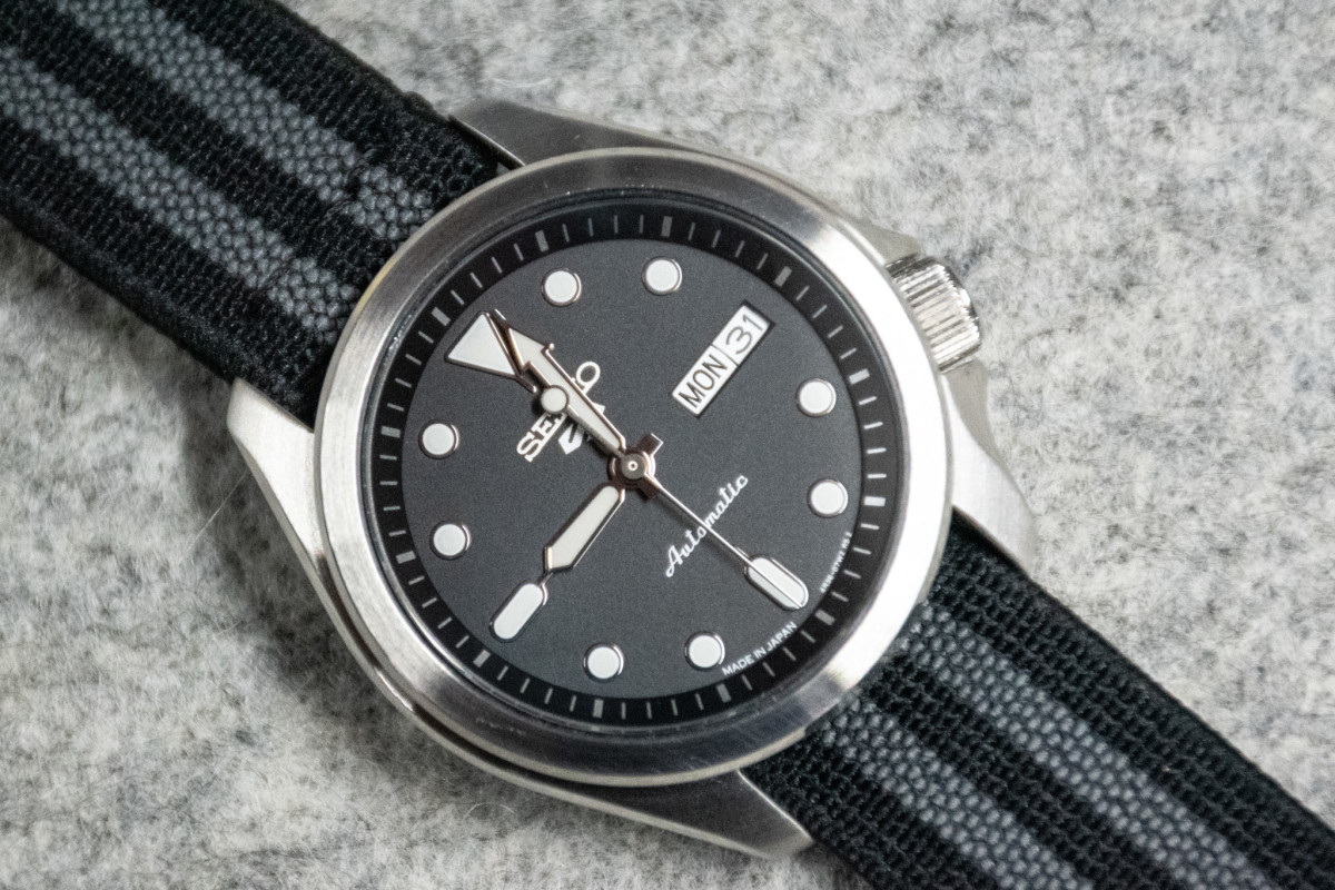 The Seiko 5 Sports (SRPE67) looks stunning on The Watch Steward MT Bond strap