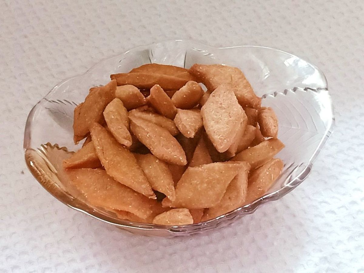 Shankarpali is a popular Indian sweet and snack
