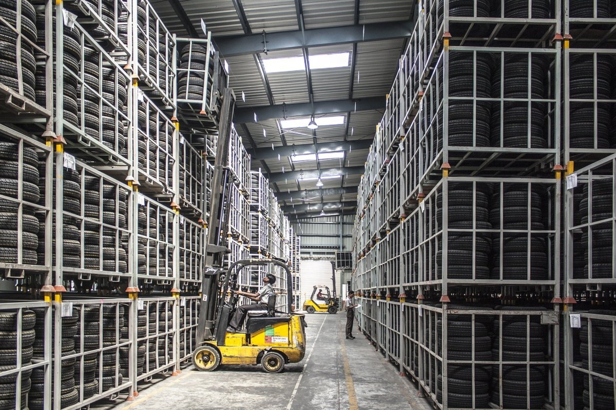 Metal racking has plenty of advantages in largescale industrial applications, but wood racking is far more suitable for smaller and domestic settings.