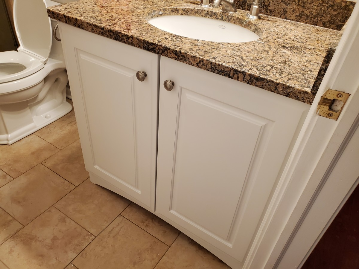 tips-for-painting-a-bathroom-vanity