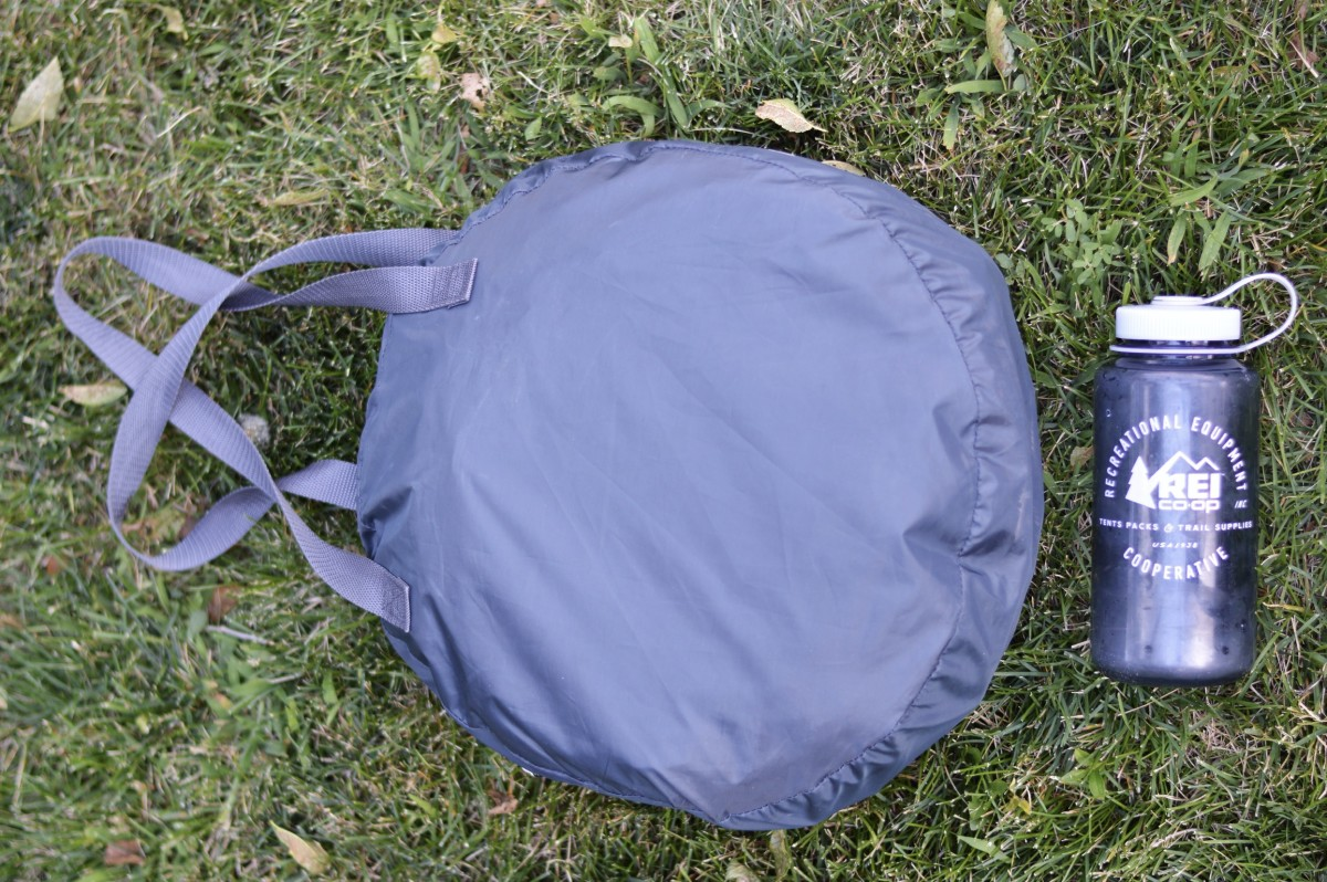 joovy-gloo-review-beach-camping-travel
